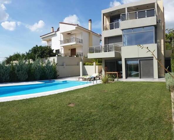 Superluxury villa, near sea/airport - Kallitechnoupoli - Casa