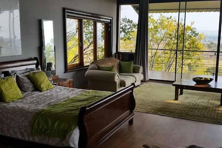 Tree Tops Self-Catering Apartment - 比勒陀利亚 - 牧人小屋