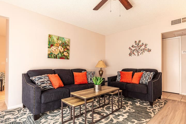 Cozy & Welcoming Home in Mesa ♥ Has Everything!