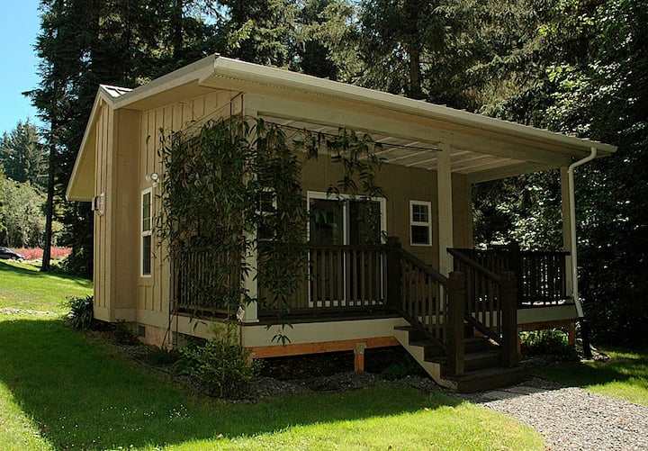 The Forest Haven Suite: Cottage In The CA Redwoods