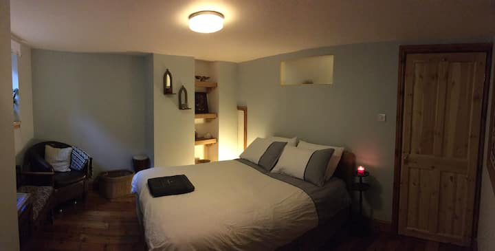 Quirky, cosy hideaway close to Leeds City Centre