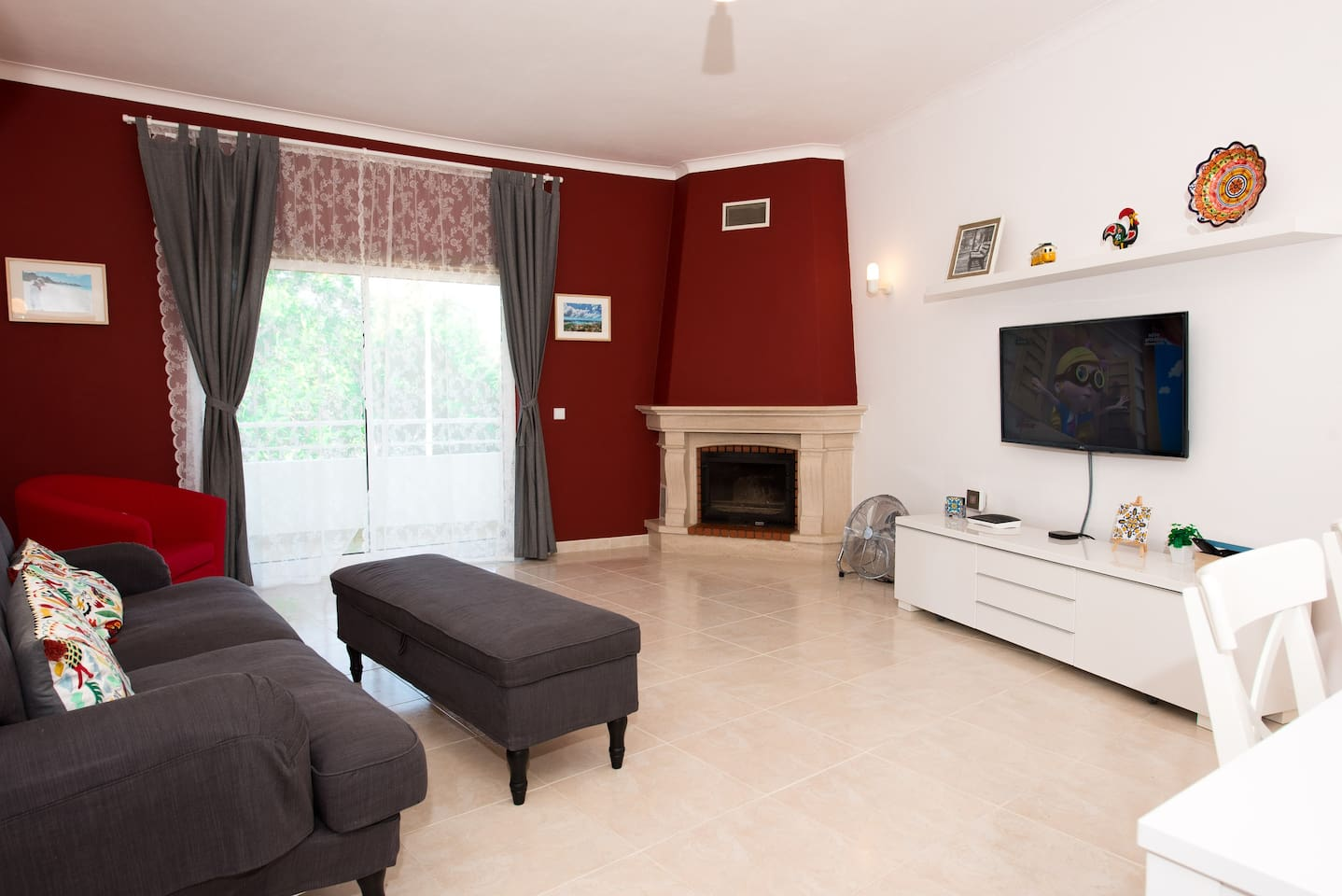 Living Room - A very comfortable environment, spacious, ventilated with plenty of daylight.