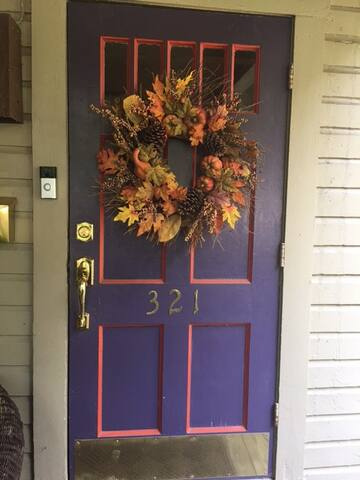 Seasonal Wreath on Entry