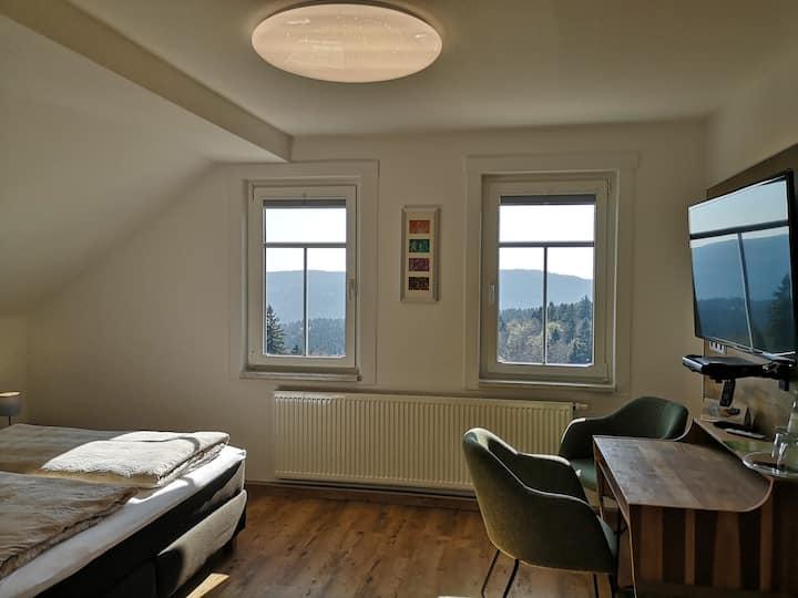 Deluxe-Doppelzimmer mit Bergblick