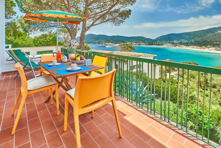 Appartamento Il Paradiso  terrazza  sul mare