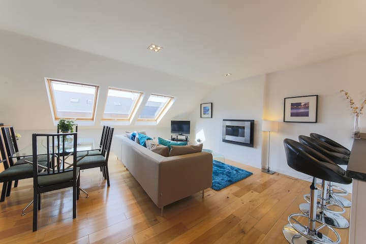 The Penthouse - 1 minute from beach - Newquay - Apartment