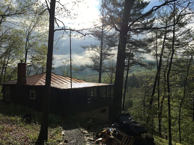 Perfect Shenandoah Forest Retreat - Fort Valley - Cabaña