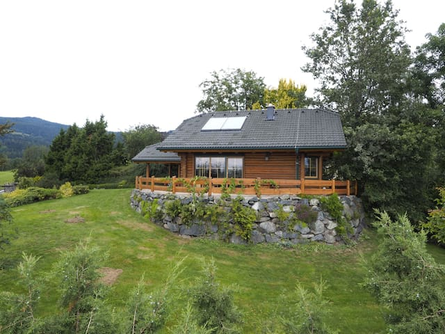 gemütliches Blockhaus mit phantastischer Aussicht - Wolfsberg - Kulübe