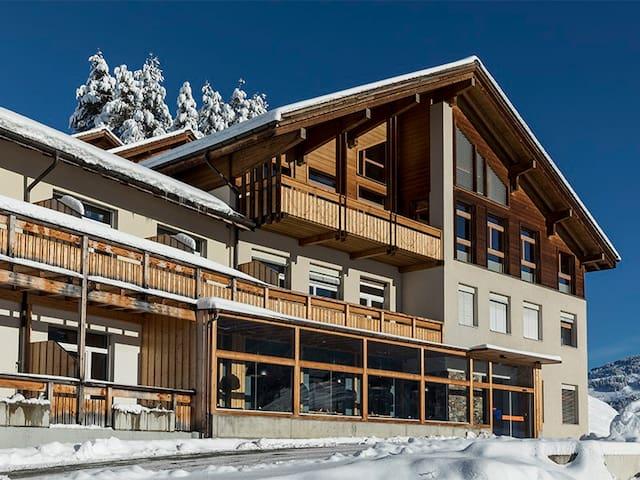 Hotel Miraval, Cumbel - Ansicht Winter