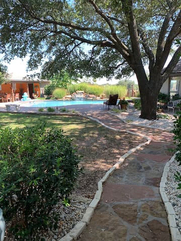 Room w/pool access on horse ranch