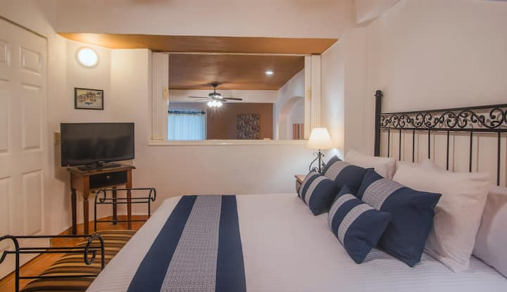 1 Bedroom Condo by Los Muertos Beach, Pto.Vallarta