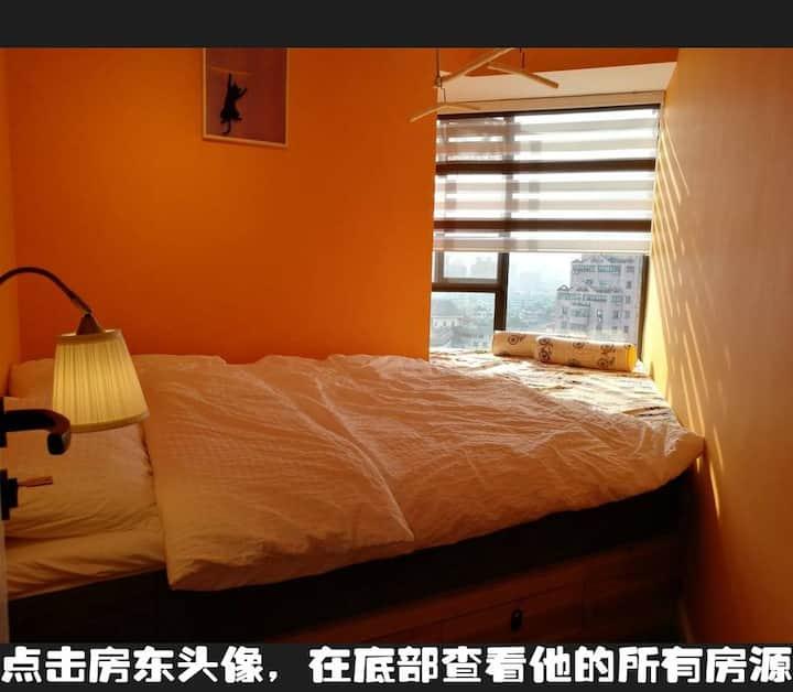 无保洁费【橙 · 建筑师的家】地铁口60米 &可寄存行李 & 武侯祠锦里