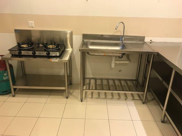 Industrial Standard Wet Kitchen