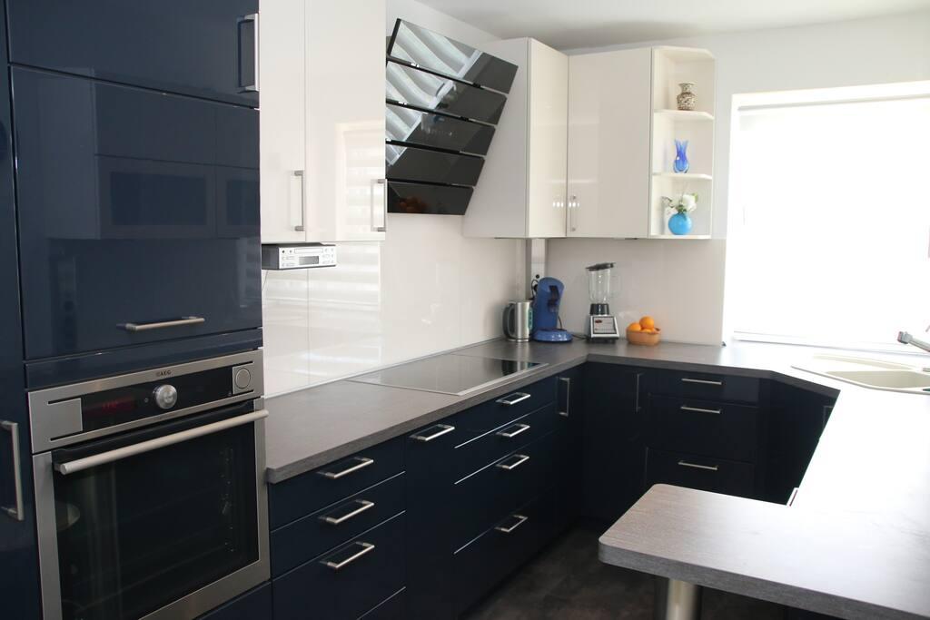 Big spacious Kitchen to use