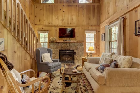 Dog-friendly cabin w/ fireplace, wrap-around porch - nearby trails, angling!