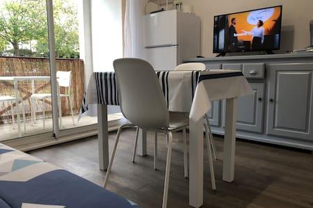 Charmant studio avec terrasse tout confort