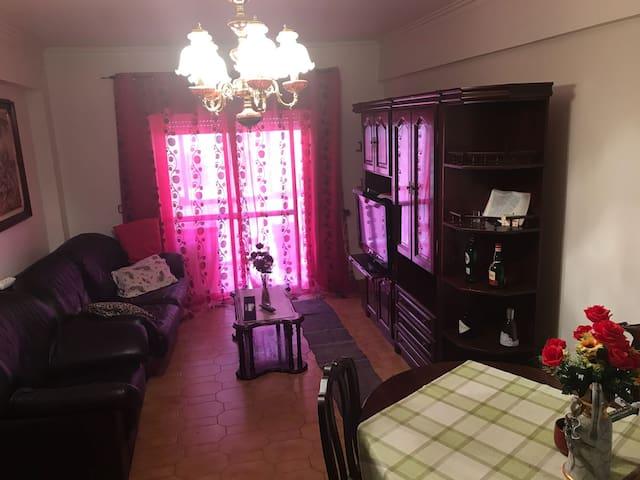 Apartamento em Sintra (quarto+sala+wc+cozinha)