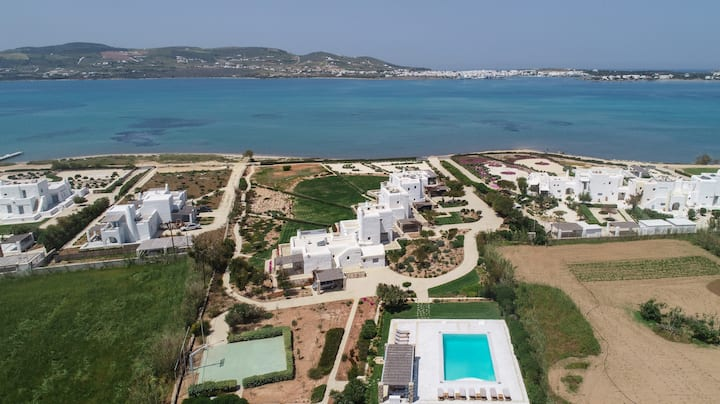 Villa Crecento next to kite-surfers paradise!