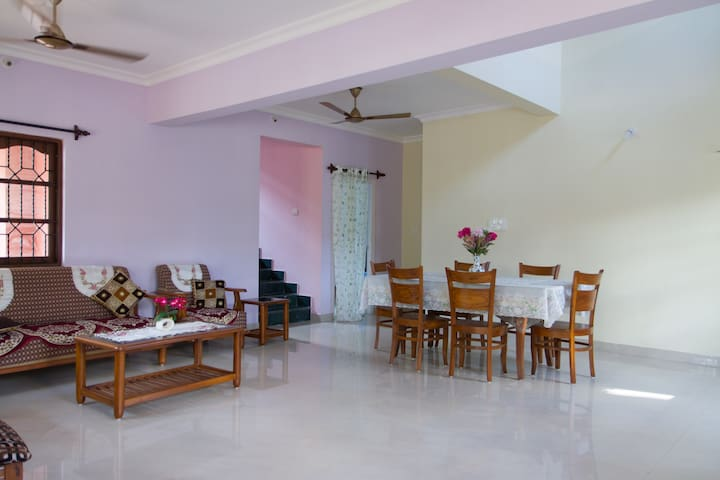 Large 4 Bedroom Villa close to the Benaulim Beach - Бенаулим - Вилла