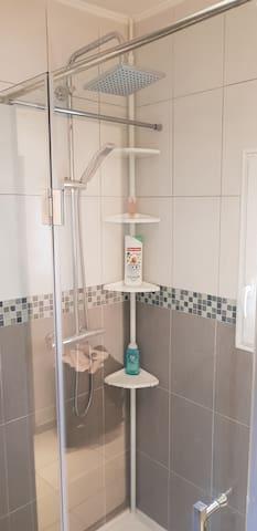 Douche italienne à l'étage