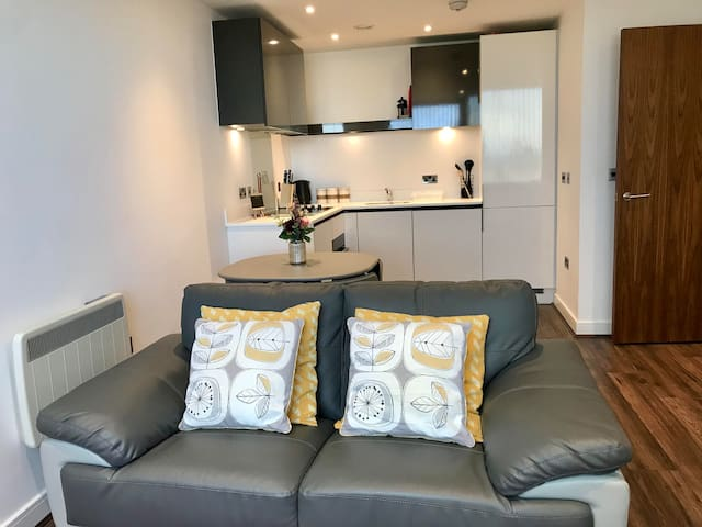 Spacious 1 bedroom apartment with lovely views