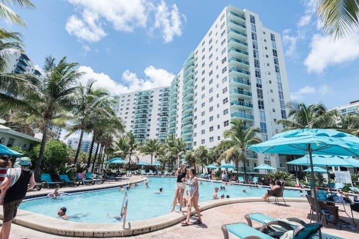 Rent The Tides Hollywood Beach FL 16th Flr 1BR/1BA