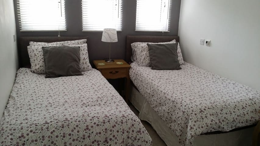 Twin Room in Annexe - Room 1