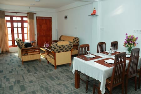 Hospitality Of Local Family-AGP Home Nuwara Eliya