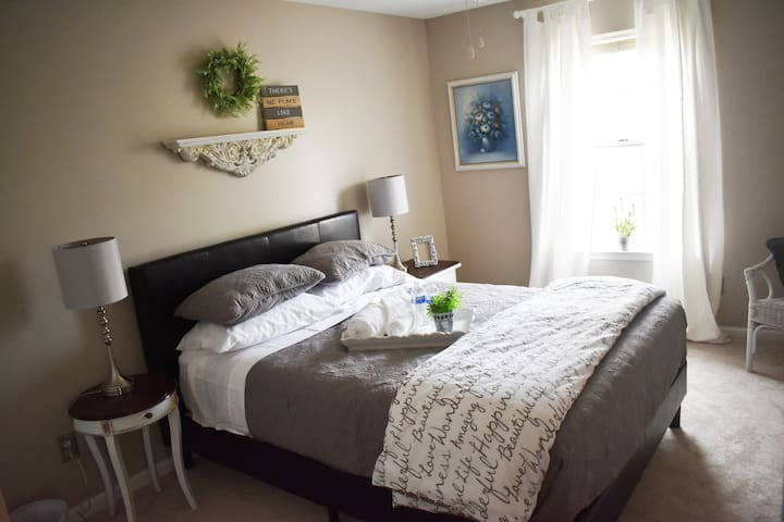 Newly renovated room #1. Sealy queen mattress.