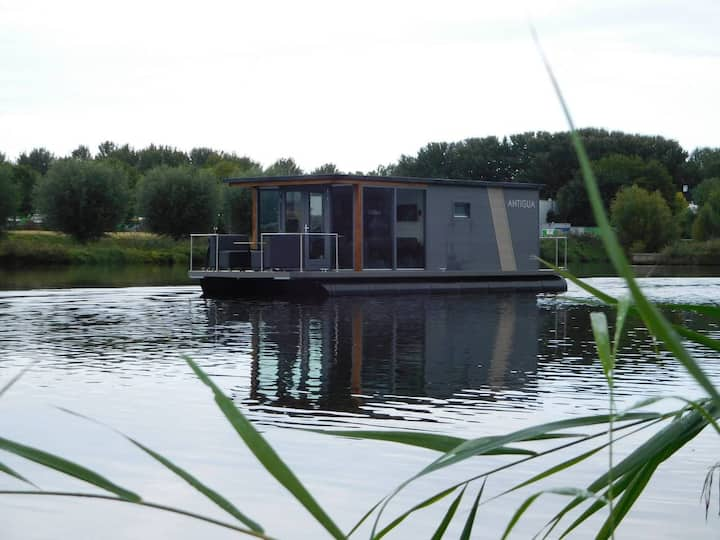 De DAM - Beautiful Two Bedroom Boathouse