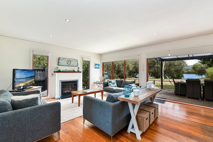Gorgeous Waterfront Beach house Patonga