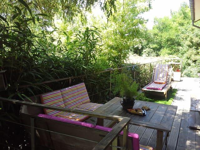 ARBOIS - Gite du belvédère - terrasse panoramique