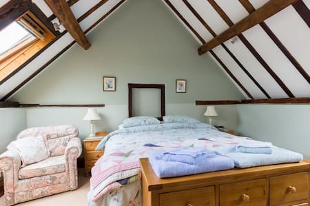Orchard Barn Cottage - Peace and Tranquility