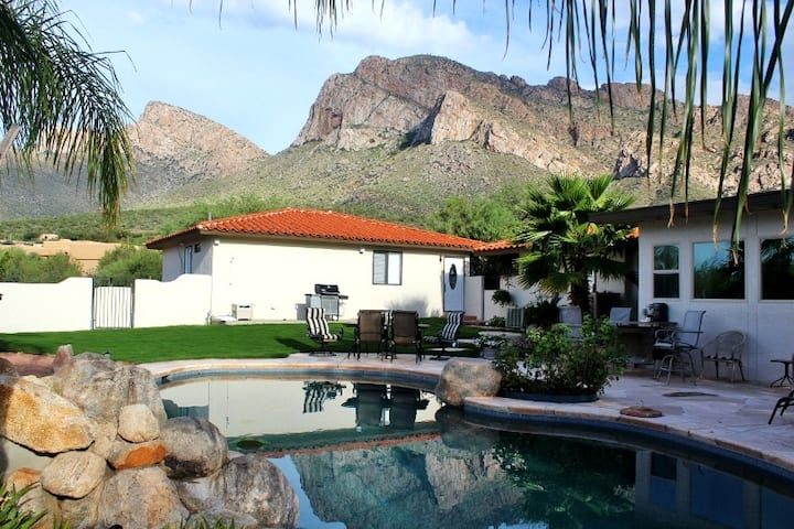 Oro Valley Home with mountain View and pool.