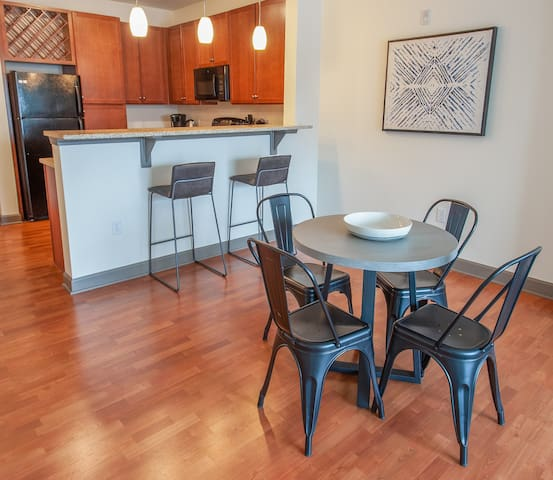 Additional dining area for four!