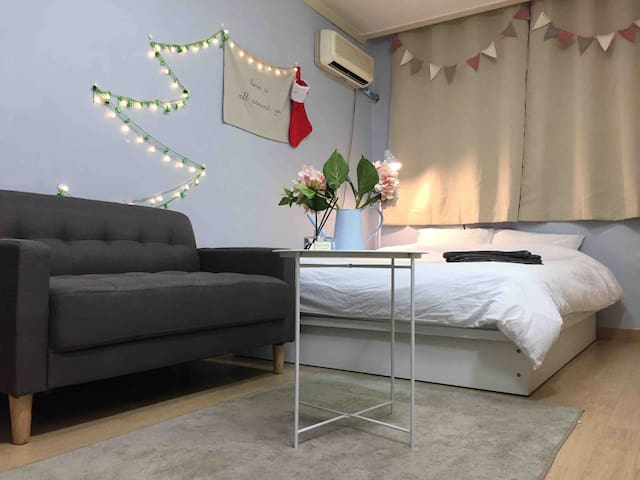 ♥Open Sale♥ 5 min Hongdae Stn, Lovely&Cozy house 2