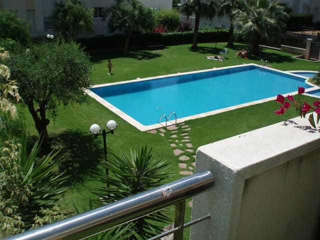 Sitges Vinyet apartment with pool and gardens