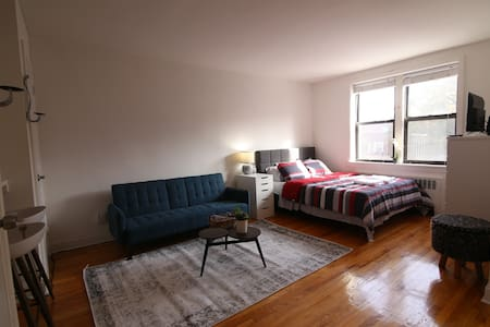 Studio Apartment Near Subway | Babies Welcomed
