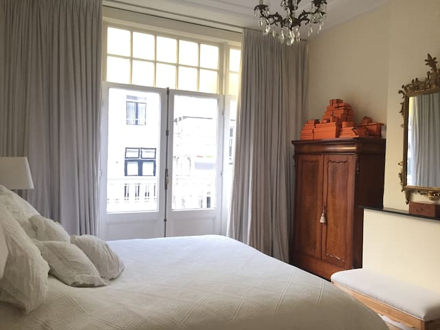 Great light room in beautiful house + garden - Amsterdam - House