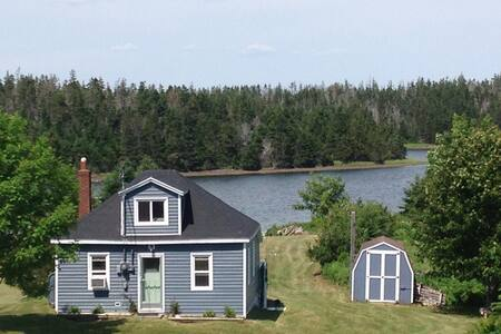 Charming Cottage by the Sea. Sept-Nov $ Reduced