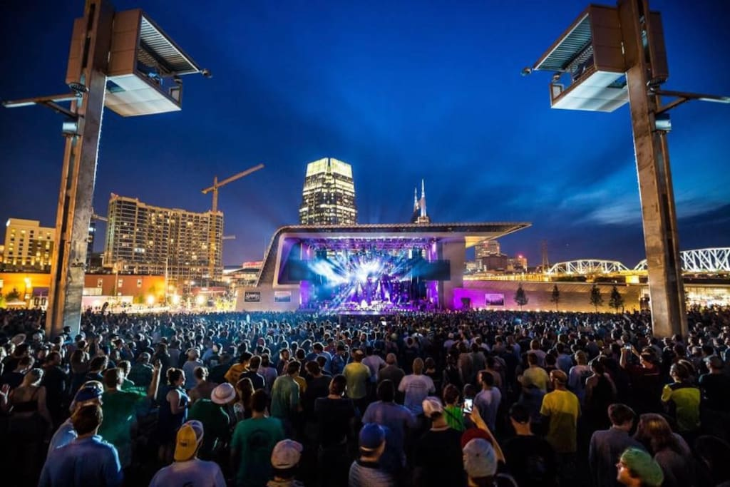 Ascend Amphitheater just 5 blocks away!
