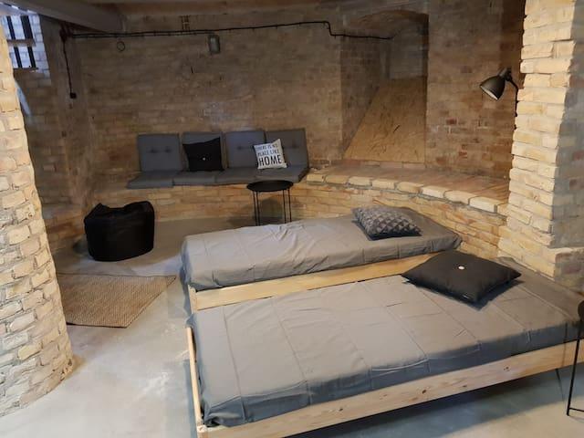 Bedroom in the basement / Sypialnia na poziomie -1