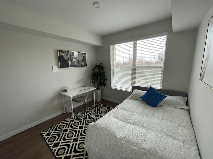★Bright & Comfy | Next to BART | ♛Queen Bed | Pool