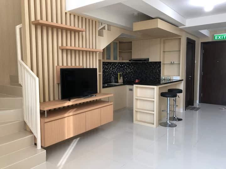 Jess' Place - large west jakarta neo soho loft 90m