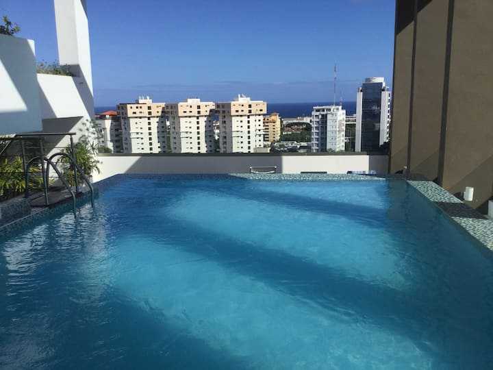 Lux apart Dowtown pool roof & views+Jeep Chevrolet