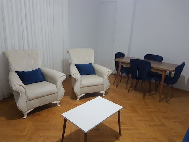 A bright, clean and central private room in şişli