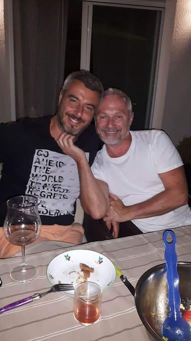 C'est nous tic et tac Sébastien et Jim de gauche à droite