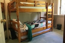Bunk beds with trundle bed under
