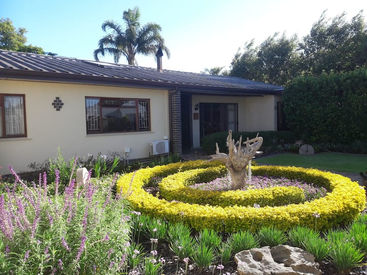 Paarl - The Labyrinth - Entire home - Sleeps 10