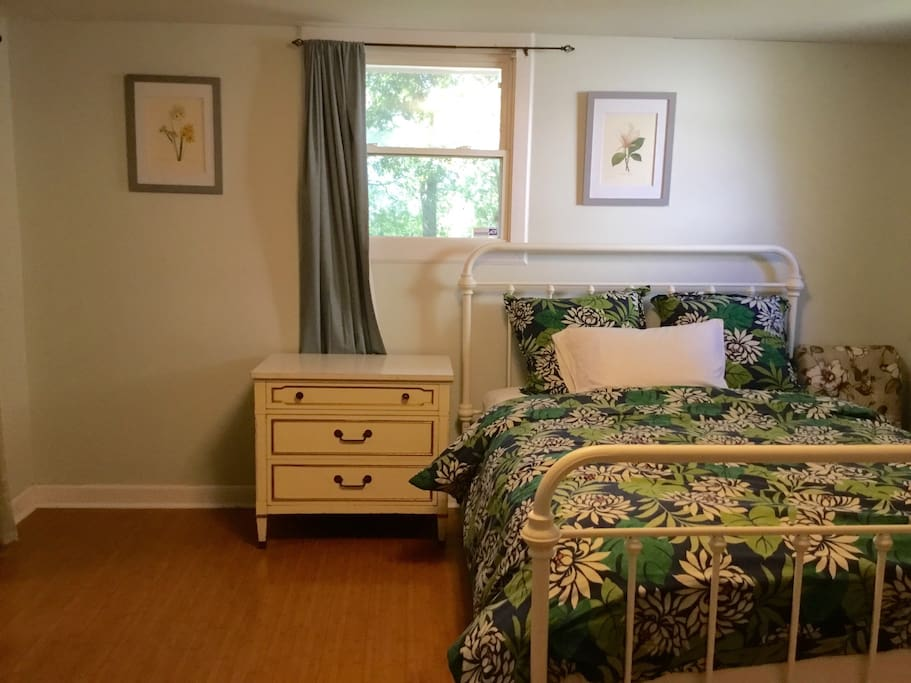 James Island Room Between Downtown And The Beach Houses For Rent In Charleston South Carolina